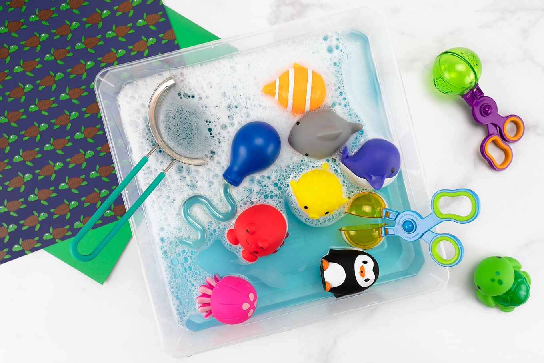 Easy and Fun Water Sensory Bin for Kids