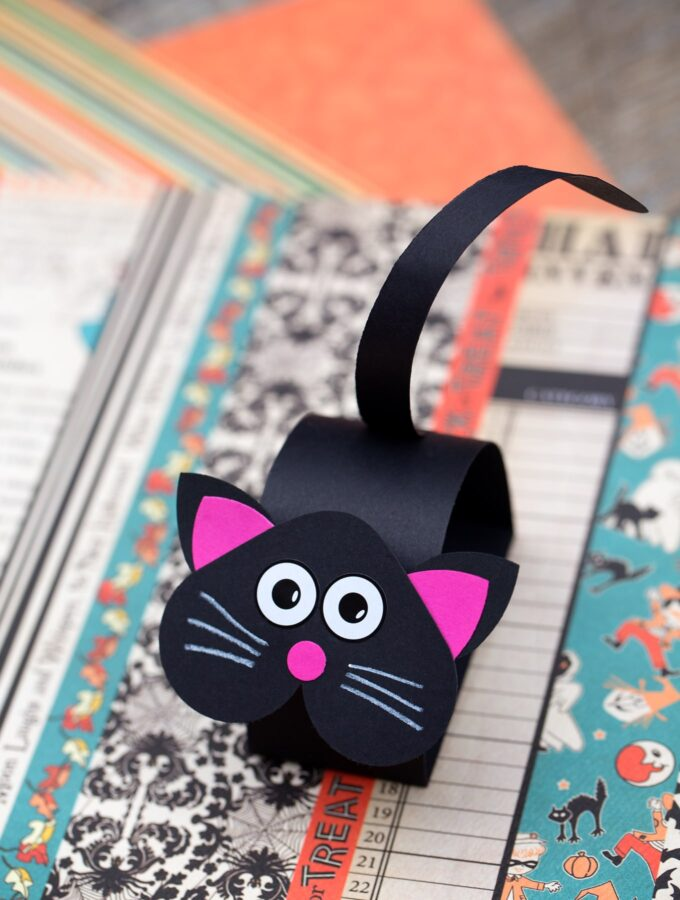 Paper Bobble Head Black Cat
