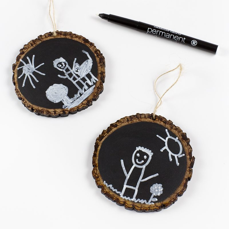 Easy Keepsake Chalkboard Ornaments