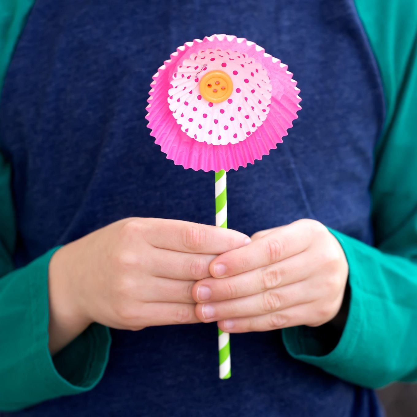 How to make flowers out of cupcake liners