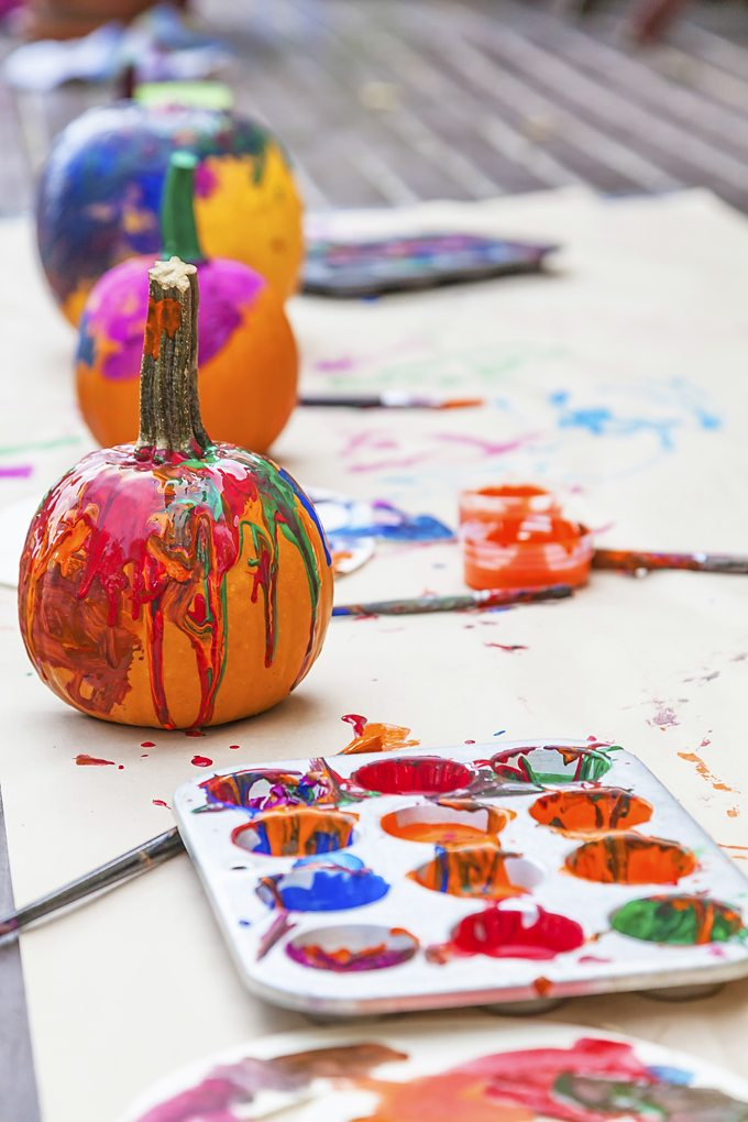 If you're on a quest to make the most of this beautiful, fleeting season with your family in simple, budget-friendly ways, then you'll appreciate this list of 10 Ways to Enjoy Simple Fall Family Fun.