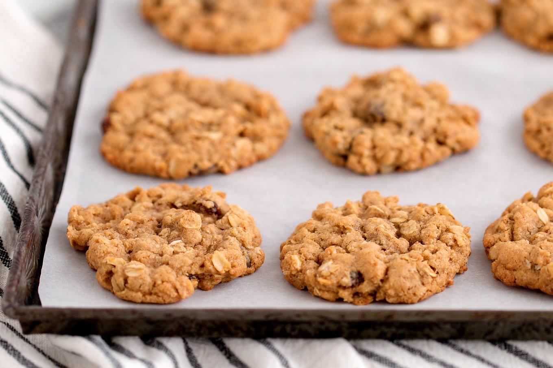 Warm Oatmeal Raisin Cookies