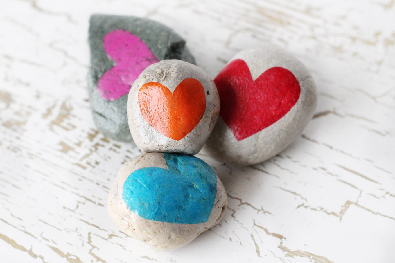 Learn how to use Gratitude Stones to cultivate a sense of gratitude, an important social-emotional skill that can increase happiness and improve health.