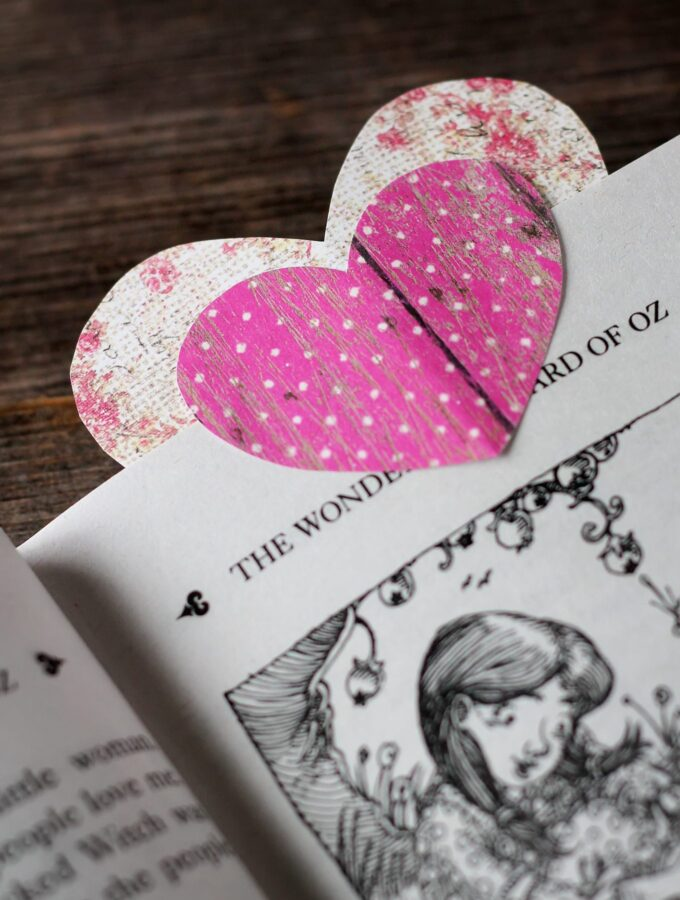 Easy Heart Bookmarks
