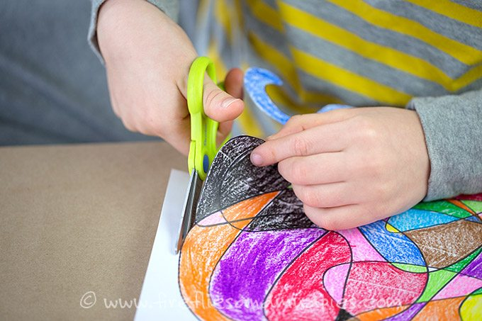 Scribble art is a fun, boredom busting, creative art activity for kids!