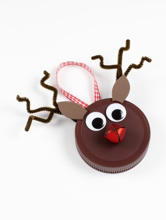 Simple Jar Lid Reindeer Ornament