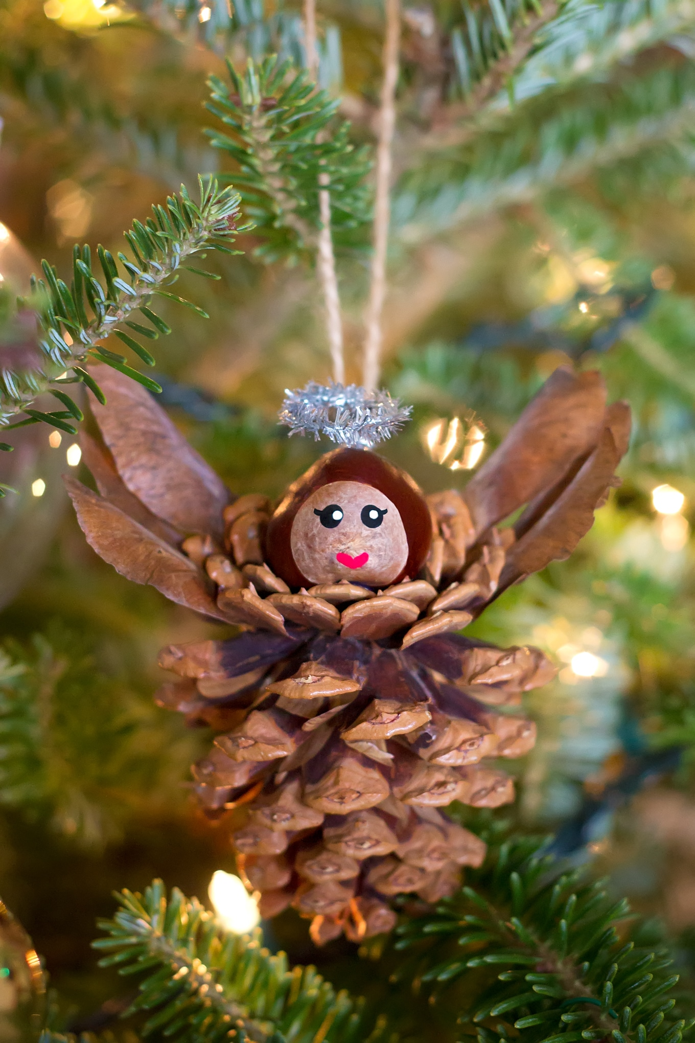 Pinecone angel ornaments for Pine cone christmas ornaments crafts