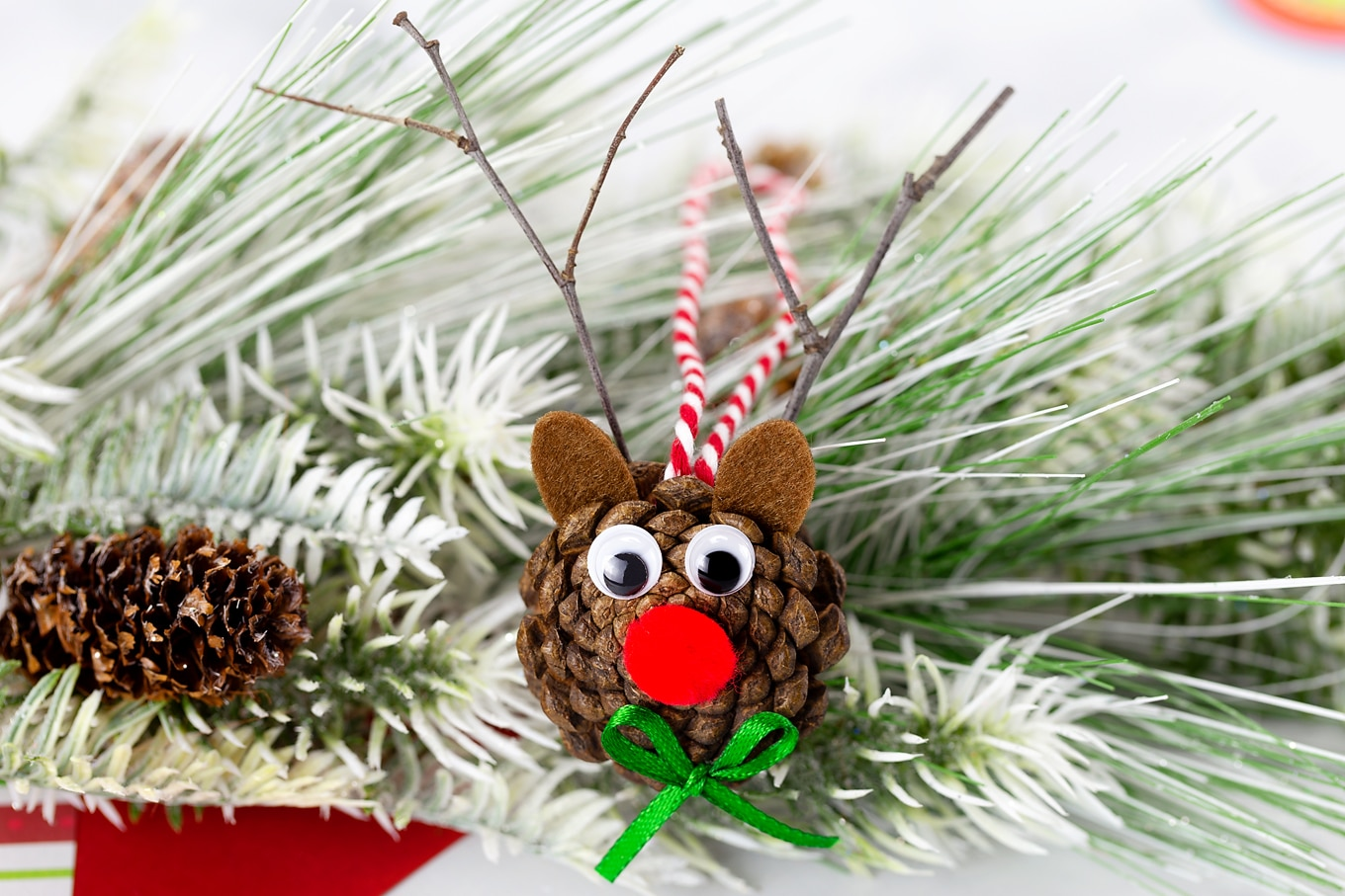 Pine Cone Reindeer Craft