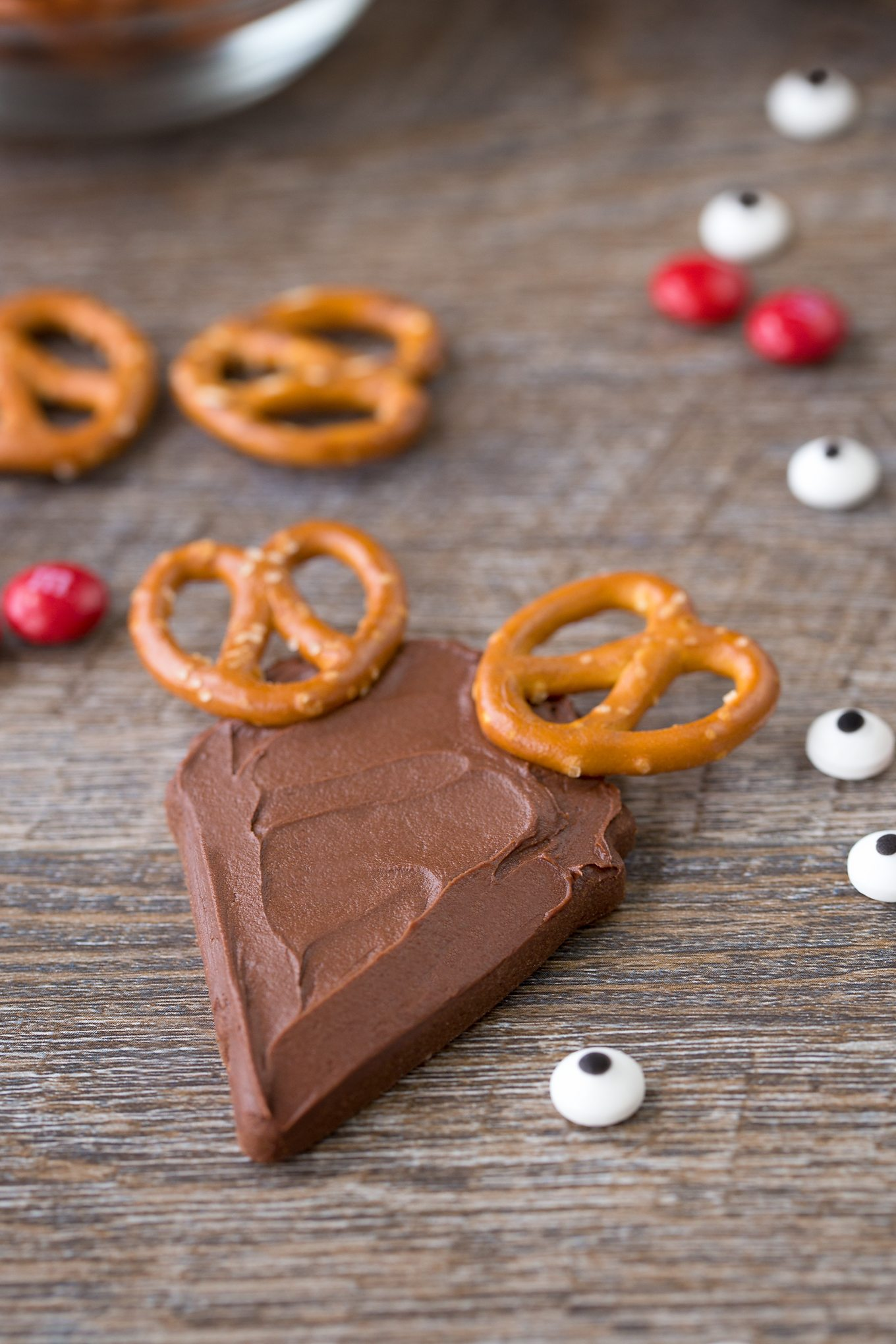 Chocolate Reindeer Cookies with Pretzel Antlers