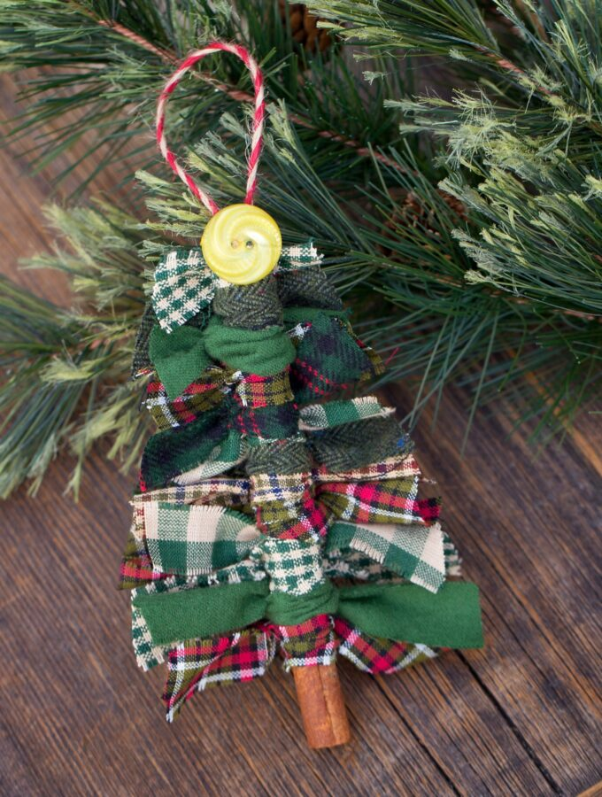 How to Make Primitive Scrap Fabric Tree Ornaments