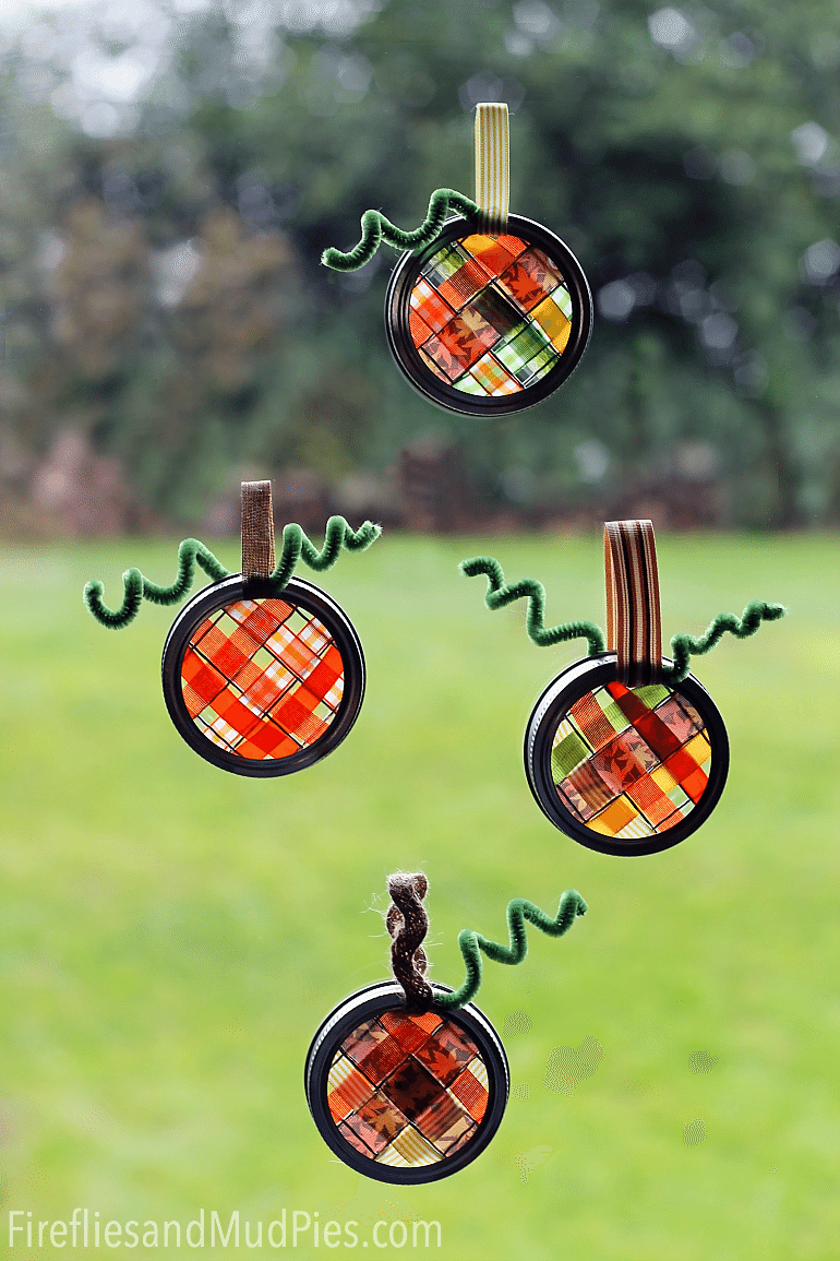 Mason Jar Lid Pumpkin Suncatchers