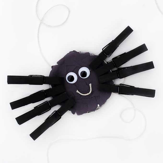 Mason Jar Lid Spider Craft