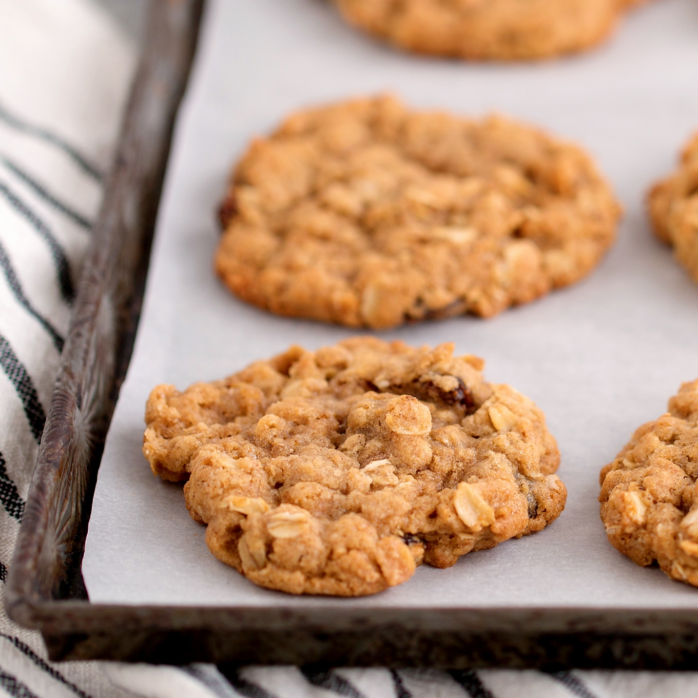 Chewy Homemade Oatmeal Raisin Cookies