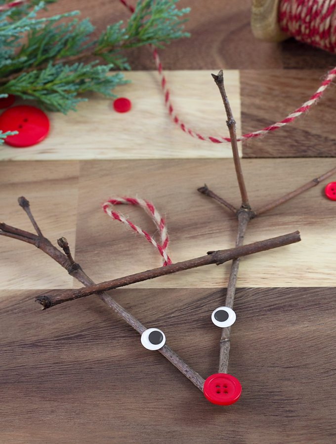Easy Twig Reindeer Ornaments