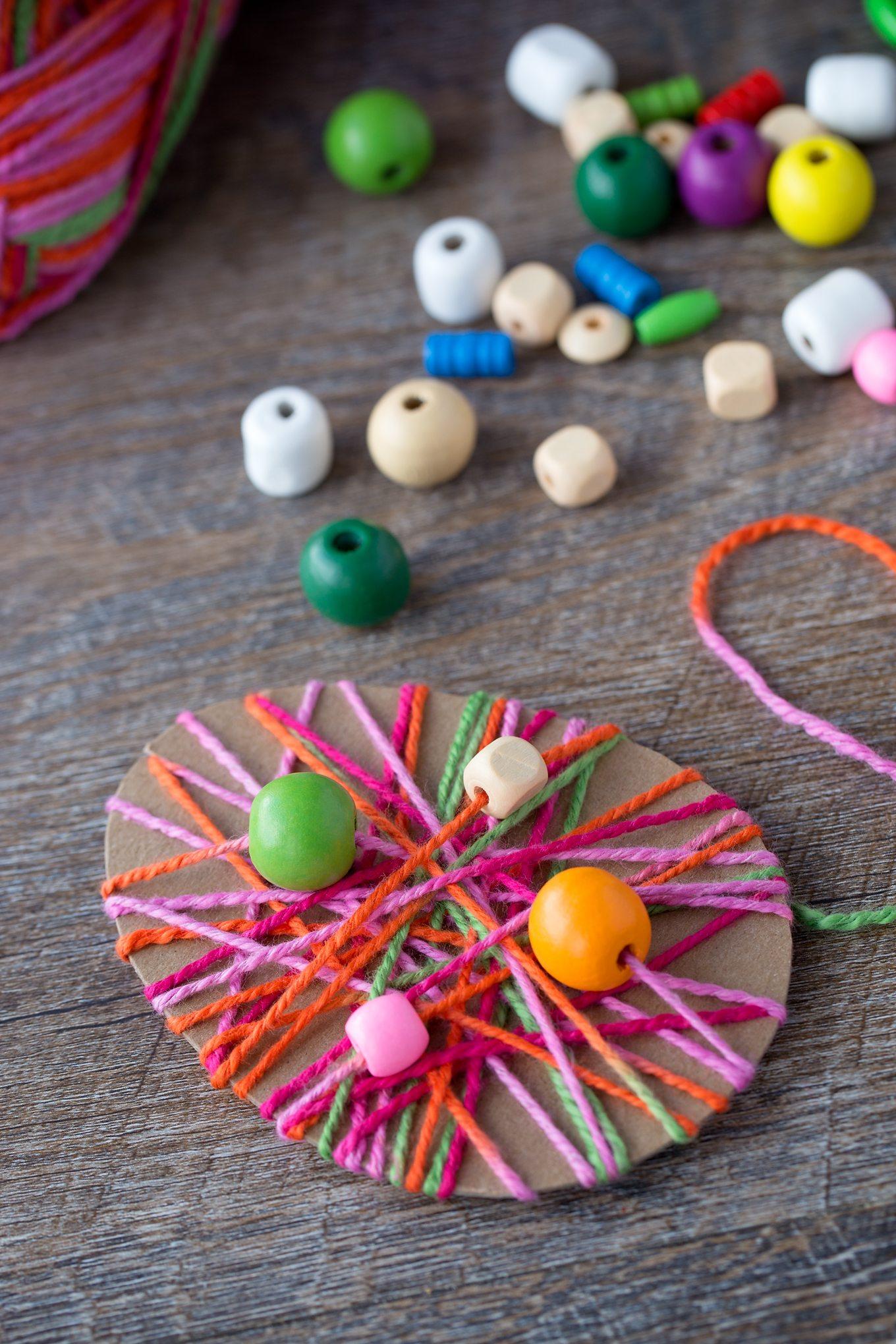 Knutselen voor Pasen samen met je peuter of kleuter? Dat kan heel goed met deze toffe paas knutselideeën die we voor je hebben verzameld. Zo wordt het paasweekend wel erg gezellig!