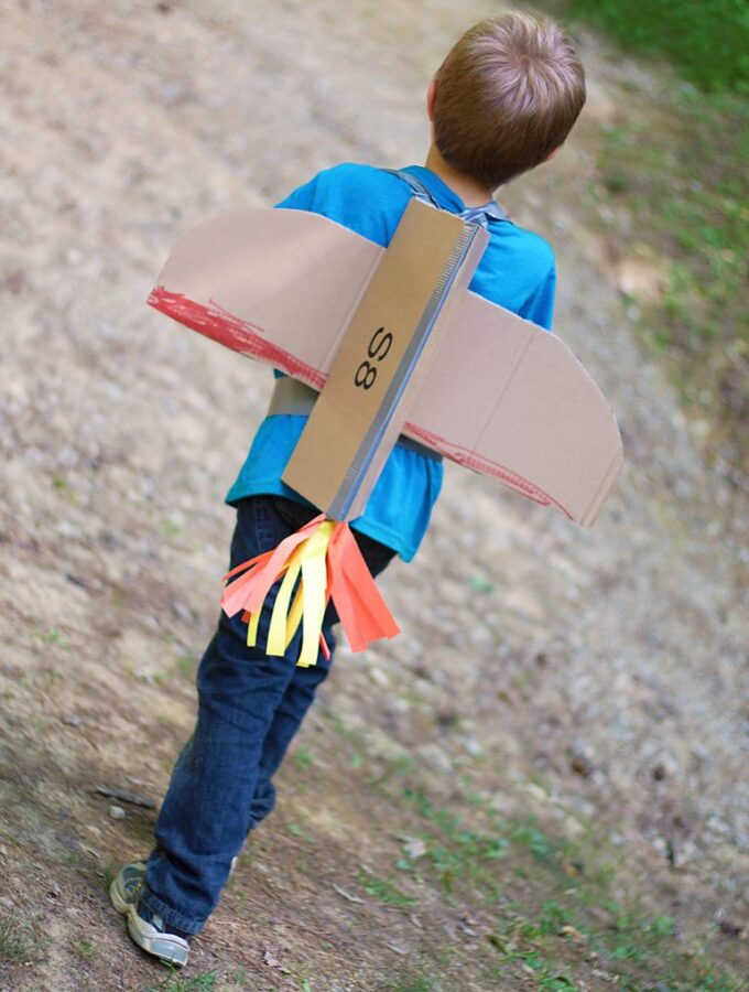 Simple DIY Cardboard Jetpacks