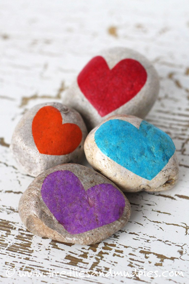 Kids can make Gratitude Stones | Fireflies and Mud Pies