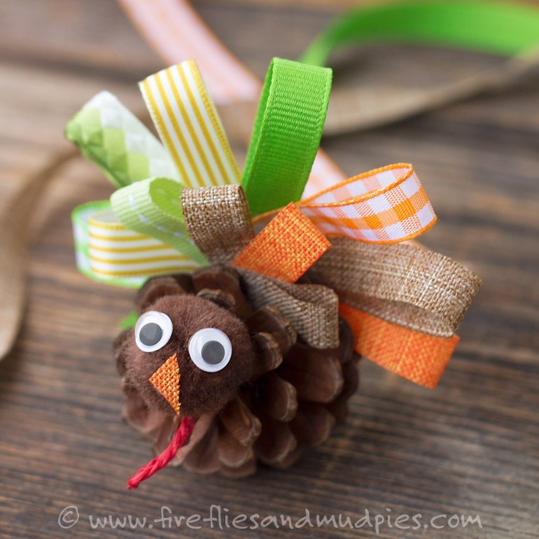 Pinecone Turkey Craft   Fireflies and Mud Pies