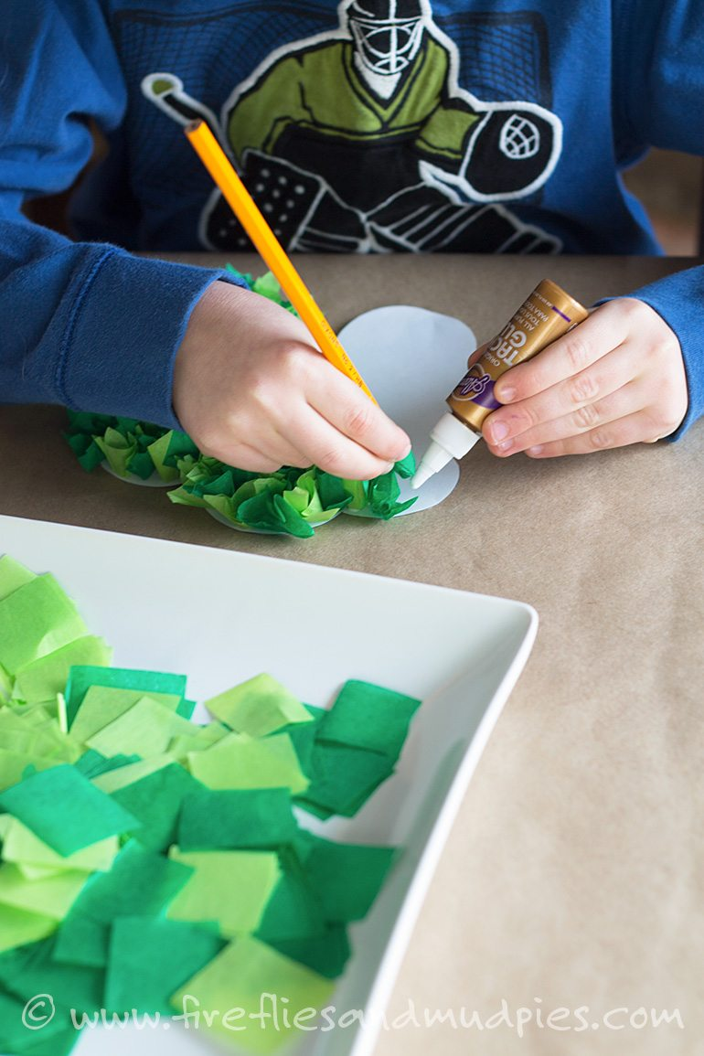 Free Printable Shamrock Craft for Kids | Fireflies and Mud Pies