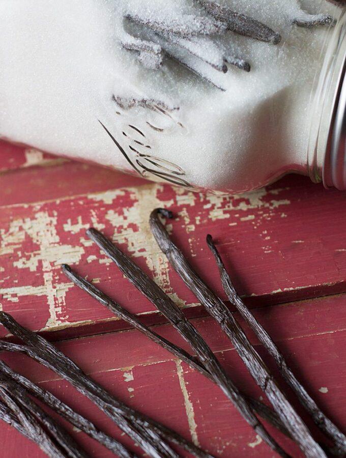 DIY Rich Vanilla Sugar